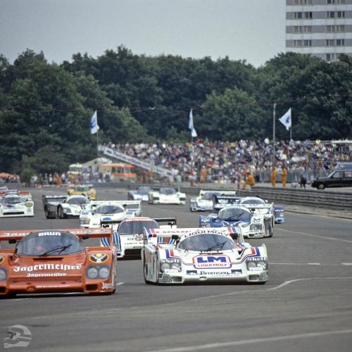 DRM auf dem Norisring 1985, im Fahrzeug vorne links: Stefan Bellof, im Fahrzeug vorne rechts: Manfred Winkelhock | © Porsche AG