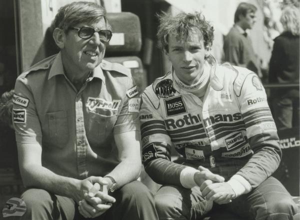 Stefan Bellof & Ken Tyrrell | © Ferdi Kräling Motorsport-Bild GmbH