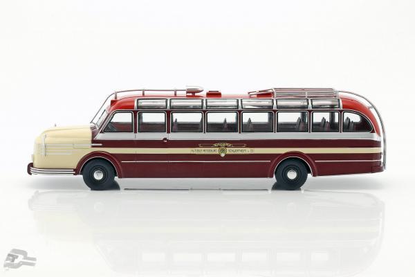 Krupp Titan 080 bus year 1951 dark red / beige