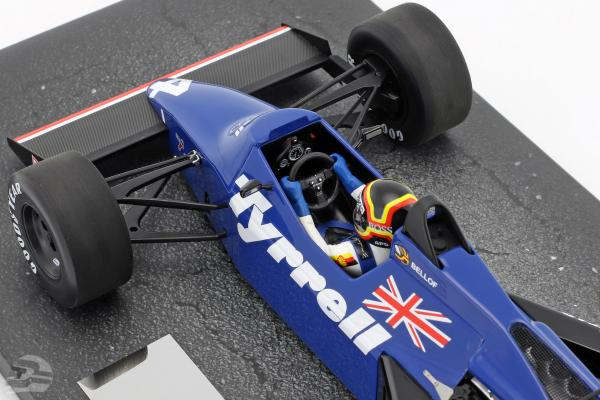 Stefan Bellof Tyrrell 012 #4 Brasilien GP Formel 1 1984 mit Cap