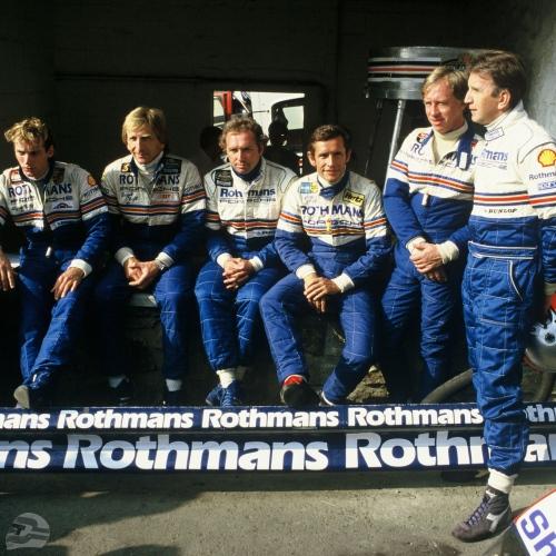 Rennteam Spa 1984, 02.09.1984 1000 km Spa; Rennteam v.l.n.r.: Stefan Bellof, Derek Bell, Jochen Mass, Jacky Ickx, Vern Schuppan und John Watson | © Porsche AG