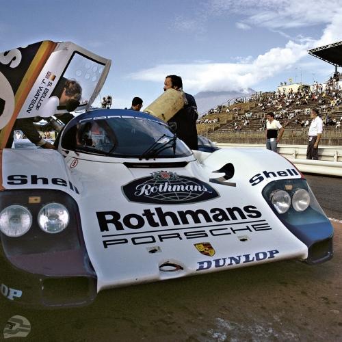 John Watson auf Porsche Typ 956 in Fuji 1984, Gesamtsieger | © Porsche AG